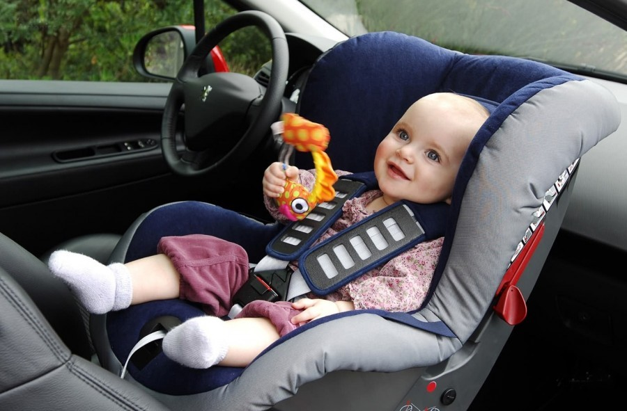 До какого возраста детское кресло нужно ребенку?