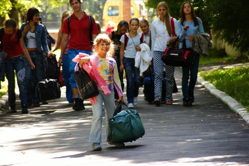 Со скольки лет можно отправлять ребенка в лагерь?
