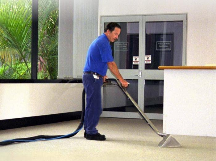 Уборщик производственных и служебных помещений