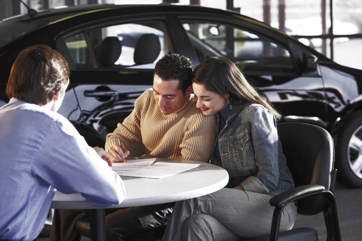 Чем лучше потребительский кредит на авто и кому подходит?