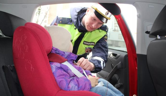 ребенок в машине пдд
